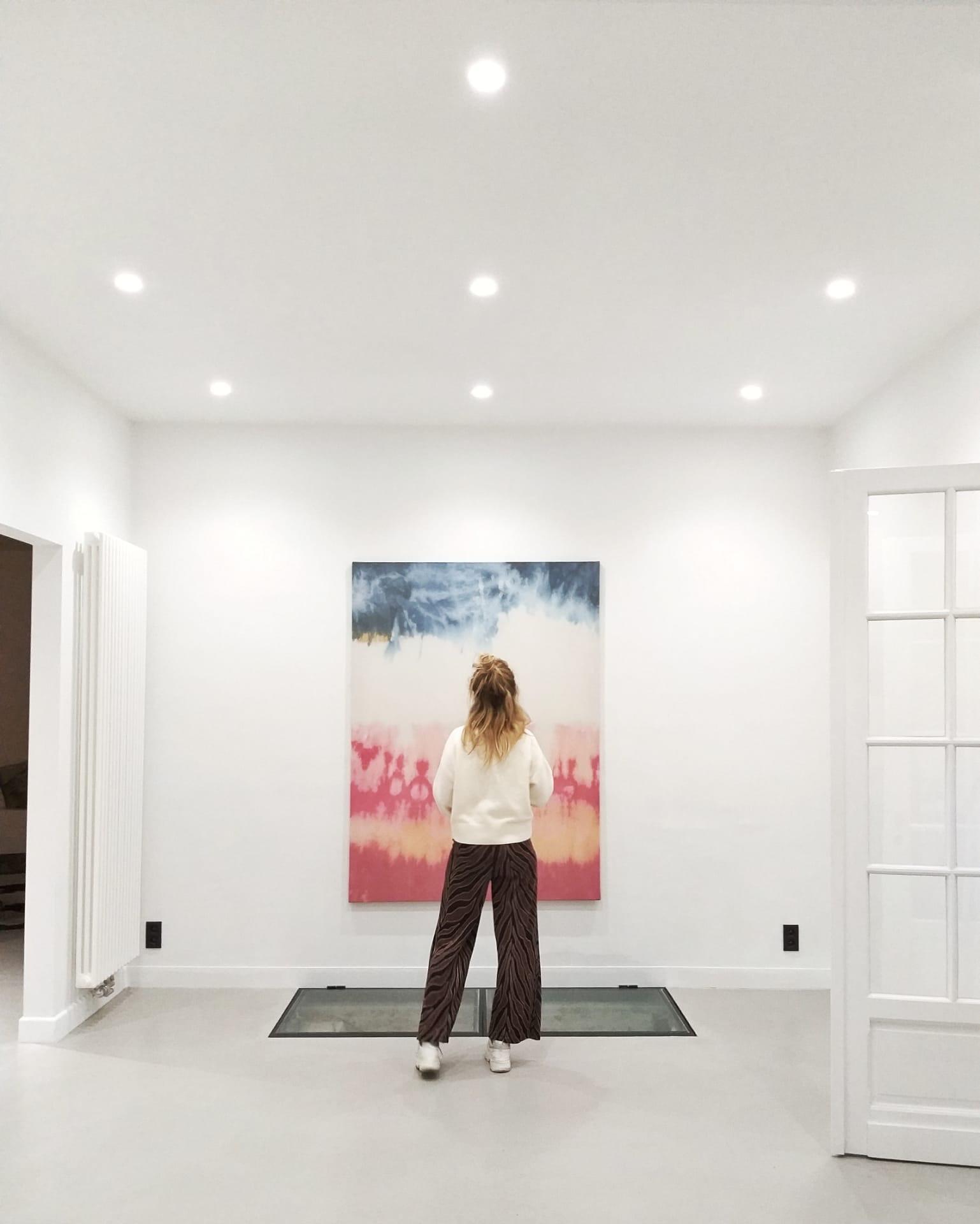 Vergaderruimte met schilderij van Studio Spruyt.